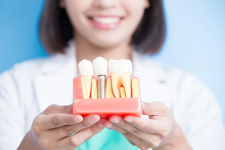 Имплантация зубов в Твери стоматология Дантист